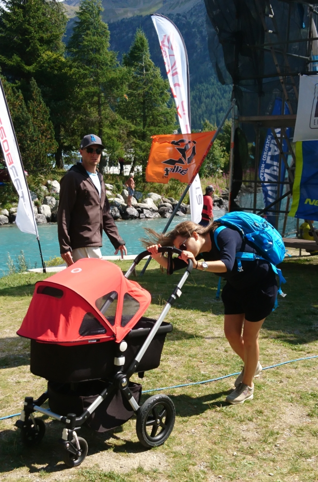 Natascia checking on Jacopo in its stroller